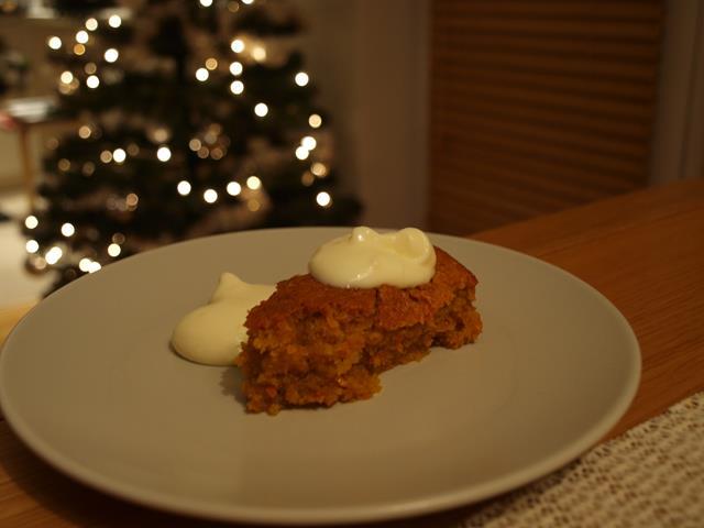 Całkiem niesamowite korzenne ciasto marchewkowe