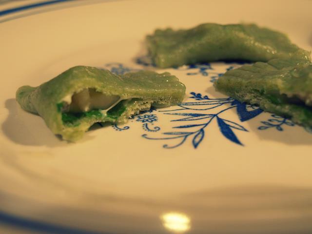 Zielone ravioli z pleśniakiem
