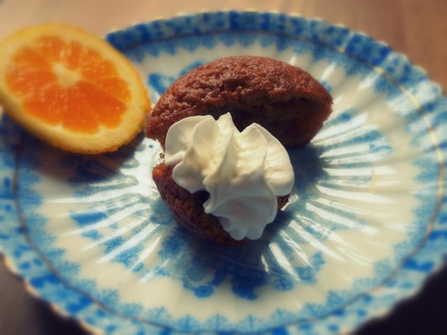 Muffinki marchewkowe z pomarańczową glazurą