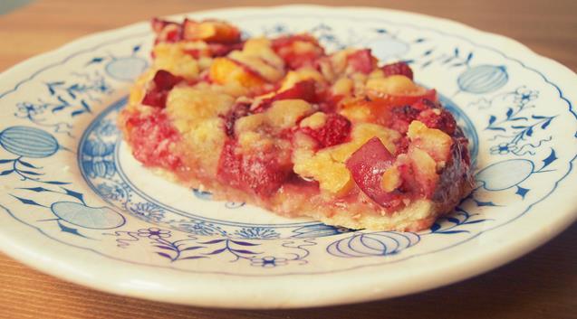 Kwaskowata zdrowsza i łatwiejsza tarta z owocami