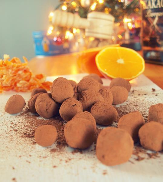 Błyskawiczne i łatwe czekoladowe trufle pomarańczowe (lub miętowe)