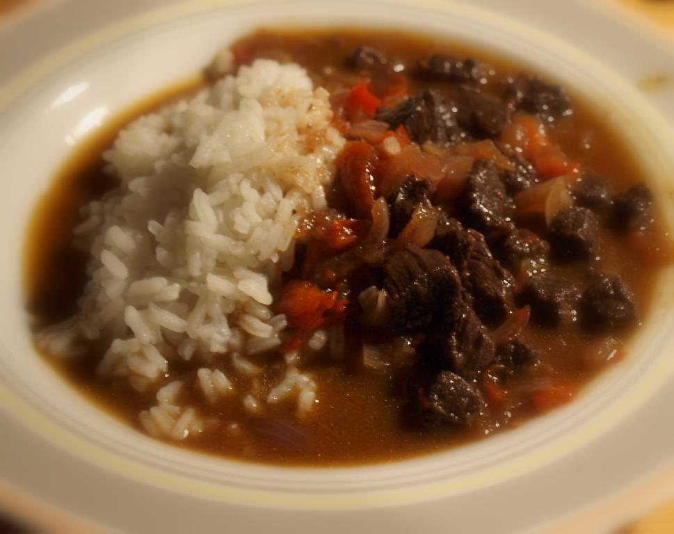 Sojowo-miodowa wołowina po azjatycku  na jaśminowym ryżu