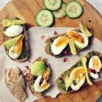 Kanapki z jajkiem na miękko i awokado