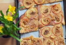 Słodka pizza z jabłkami, orzechami i karmelem