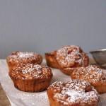 Ciastka śniadaniowe (owsiano-ryżowo-migdałowe ze smażonymi truskawkami) bez mąki i tłuszczu