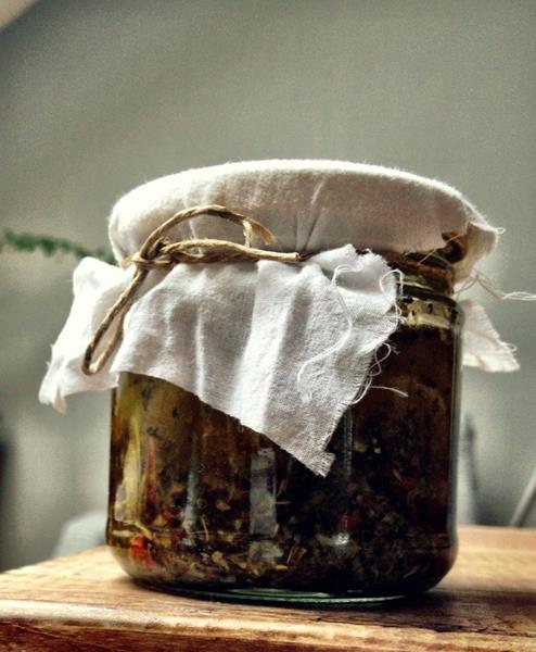 Pomysł na zakąski czyli ziołowa oliwa na nagłe przypadki