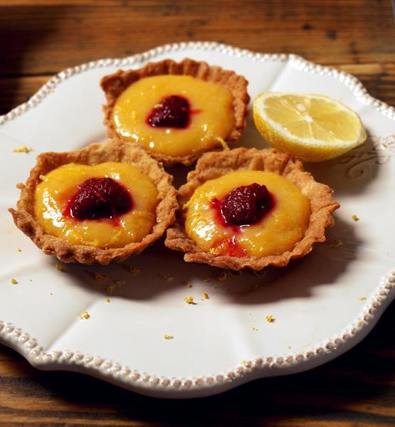 Tartaletki z lemon curd i malinami/Babeczki z kwaśnym kremem cytrynowym