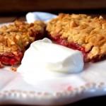 Klasyczne kruszonkowe ciasto z owocami, łatwe
