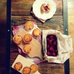 Muffinki z wanilią, ricottą i truskawkami