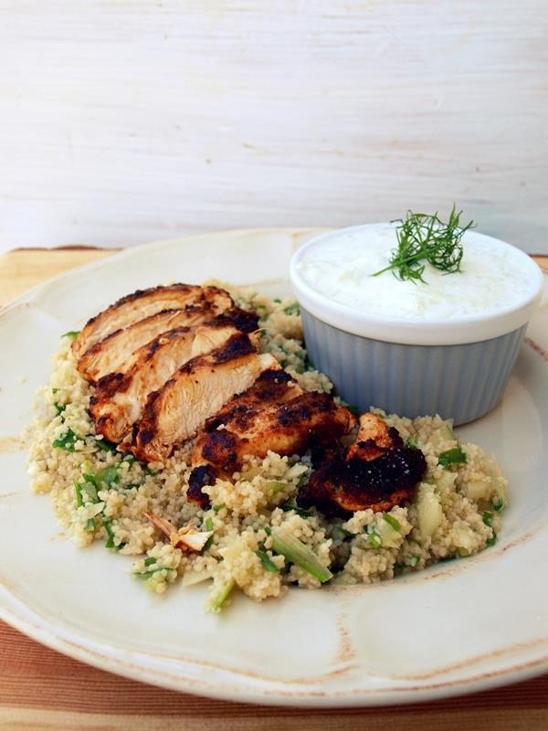 Kurczak z warzywnym kuskusem i tzatzikami czyli fikuśny obiad w 30 minut