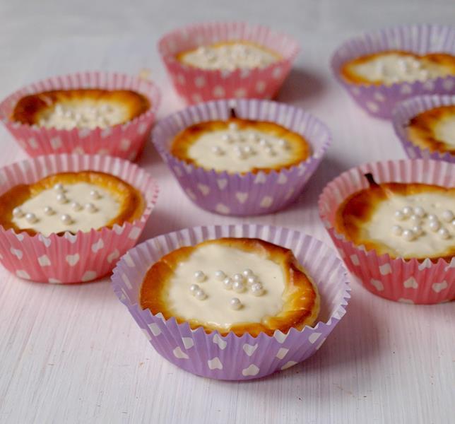 Babeczki - serniczki wiedeńskie (łatwe, mało składników, bez miksera i tłuszczu)