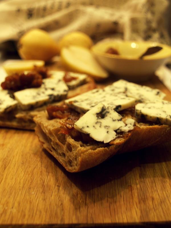 Chutney gruszkowo-cebulowe do serów i mięs