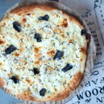 Pizza ze świeżymi truflami
