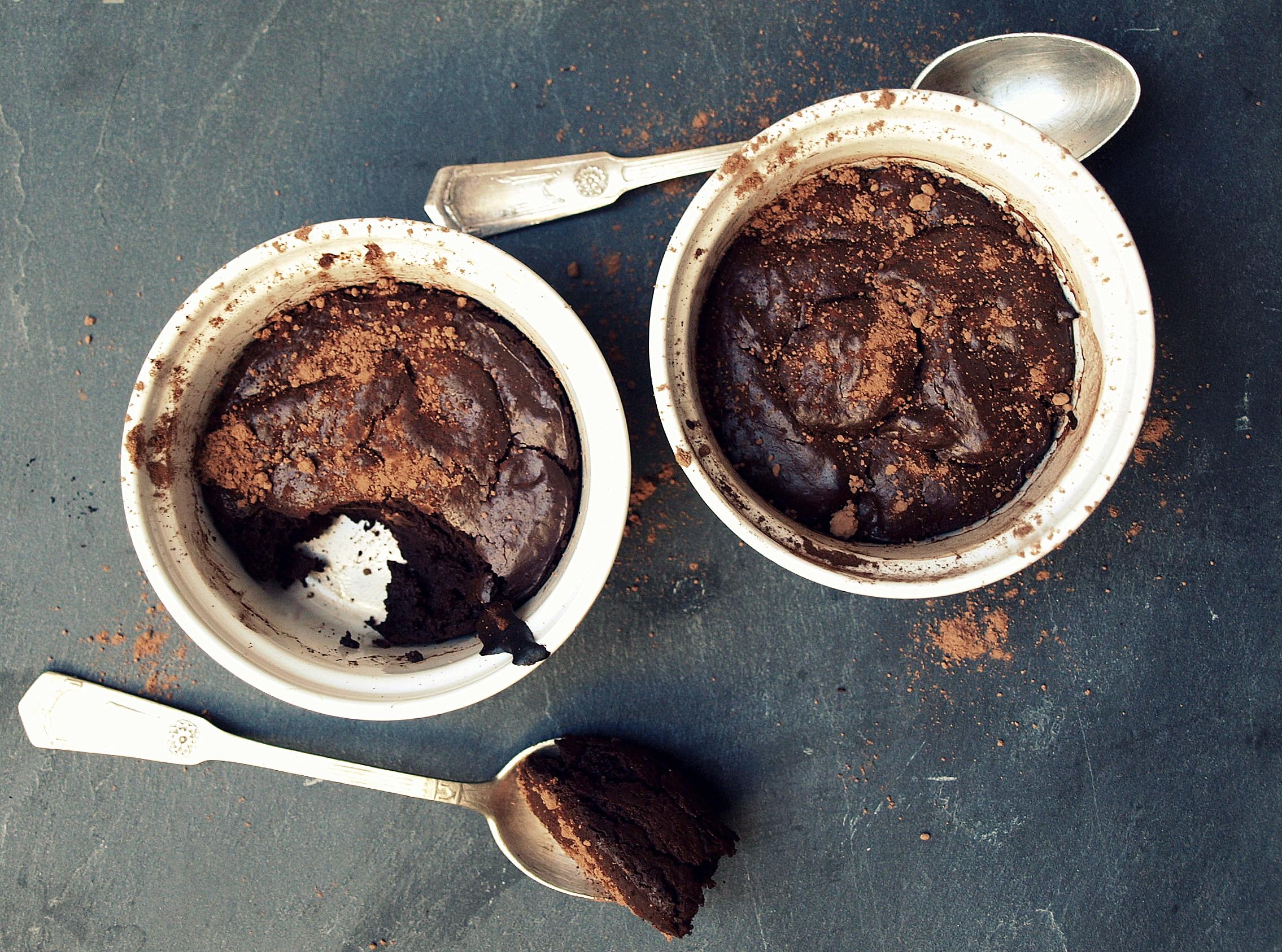 Prosty pudding mocno czekoladowy (bez mąki), w opcji lava cake