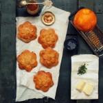 Paszteciki kwiatki z camembert'em, miodem pomarańczowym i tymiankiem