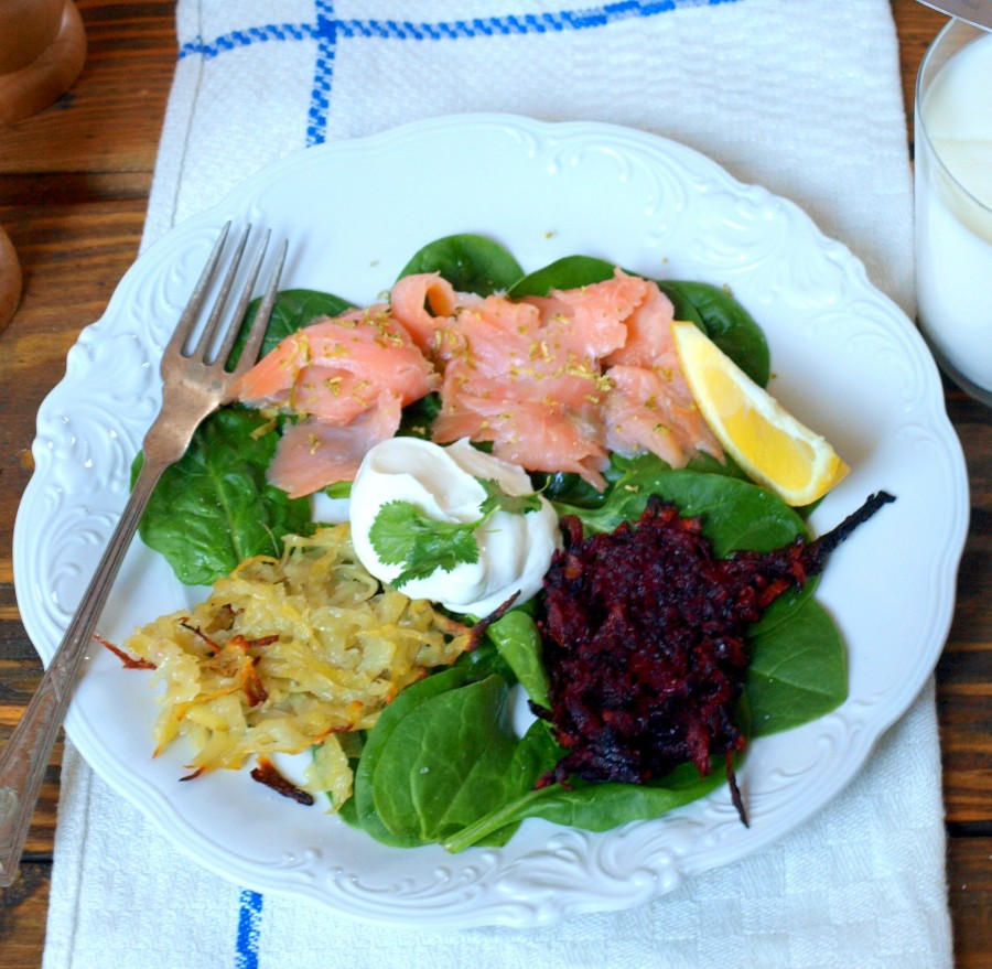 Rösti z buraków i ziemniaków z wędzonym łososiem - VEGE, HEALTHY, FIT