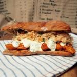 Kanapka z kurczakiem z wczoraj i coleslaw'em  (Jamie Oliver)