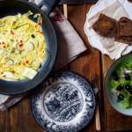 Omlet z cukinią i chilli