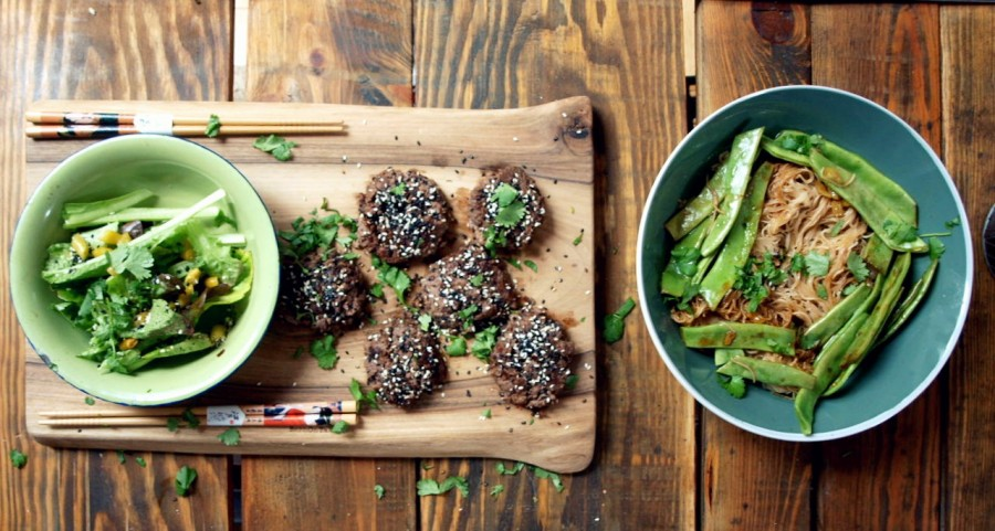 Black bean beef burgers, noodles & salad (Jamie Oliver)