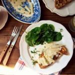 Szparagi na toście francuskim z sosem beurre blanc