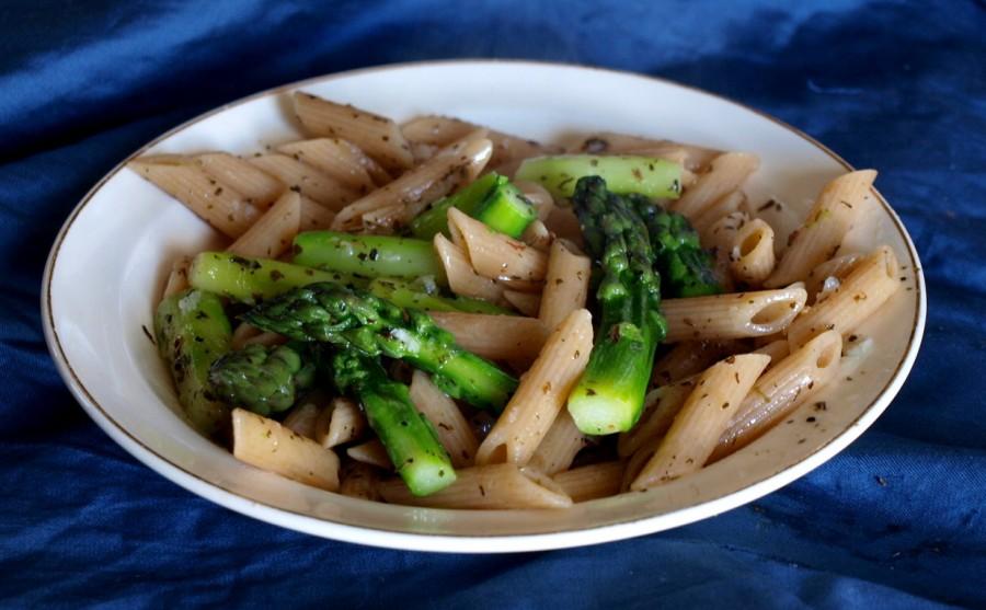 Penne ze szparagami - oliwno-ziołowo-czosnkowe