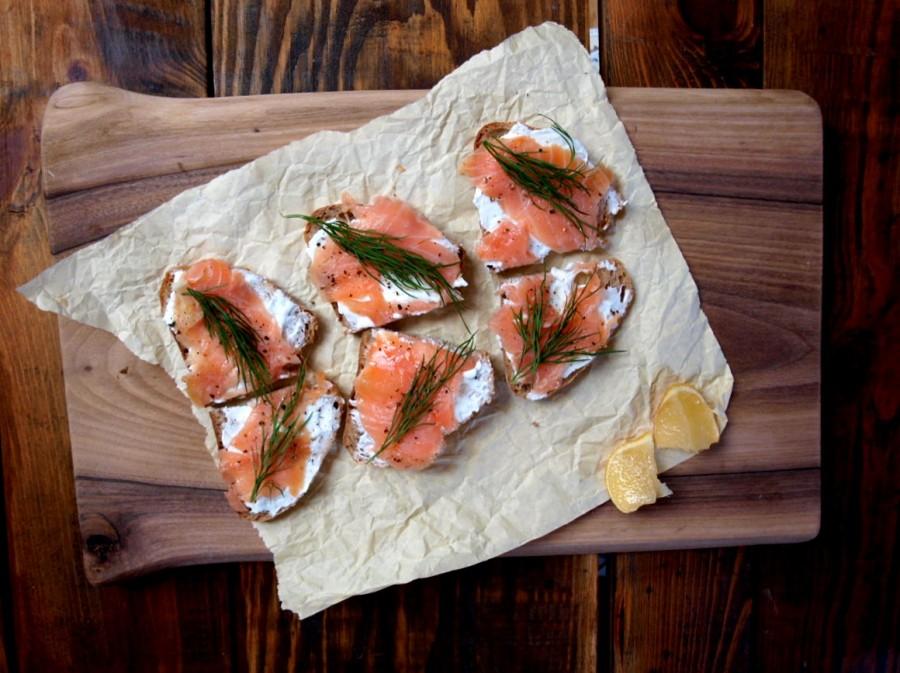Bardzo prosta i przepyszna kanapka z wędzonym łososiem