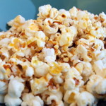 Domowy popcorn z syropem klonowym – salted caramel effect