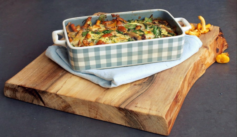 Chantarelle, spinach and courgette frittata - recipe in English