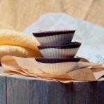 Zdrowe lody bananowo-kokosowe z polewą czekoladową