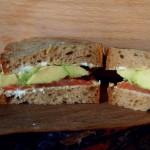 Najlepsza kanapka z łososiem i awokado