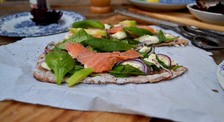 Pizza ze szpinakiem i łososiem