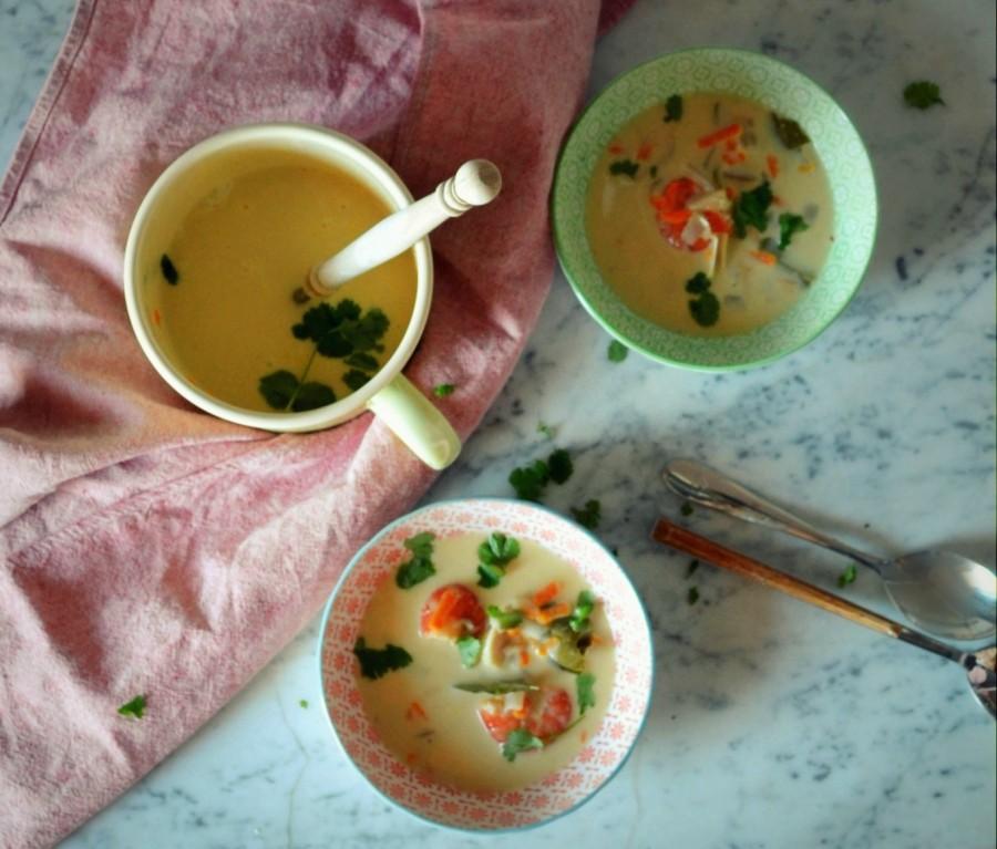 Tajska zupa curry z krewetkami (lub kurczakiem), na mleczku kokosowym