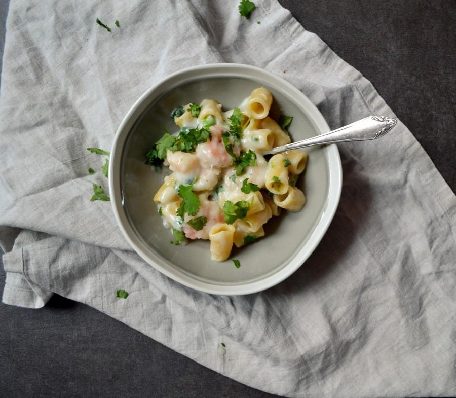Ulubiony makaron jeszcze raz (pasta z krewetkami w kremowym sosie z chilli i kolendrą)