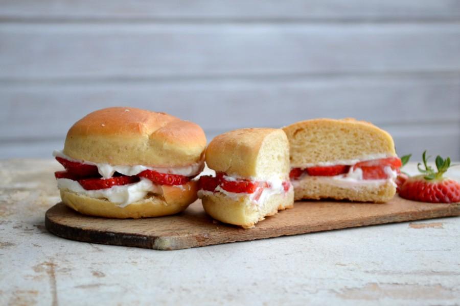 Pomysł na wczesne importowane truskawki - kanapki