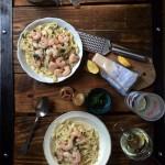 Tagliatelle z krewetkami, czosnkiem, chilli i pietruszką