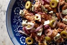 Najprostsza sałatka z tuńczykiem