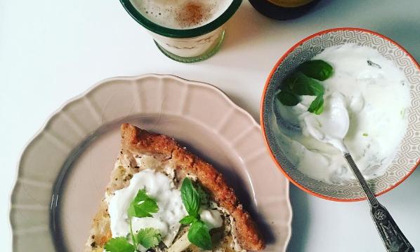Pizza bianca ze szparagami na cieście pełnoziarnistym - videoprzepis
